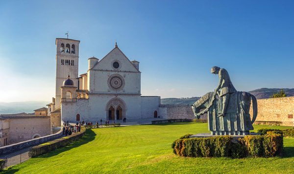 italy-assisi-basilica-san-francesco-and-grounds