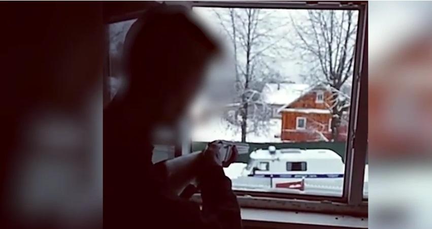«Уходить буду красиво». После прощальных постов в соцсетях подростки открыли огонь по полицейским