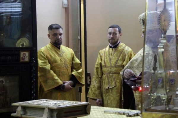Рэпер Баста отслужил божественную литургию врясе первосвященника