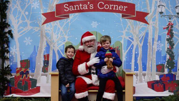 161223-santa-corner-bryant-park-03