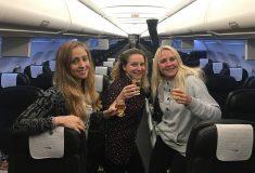 Три подруги оказались единственными пассажирками обычного самолёта и почувствовали себя звёздами
