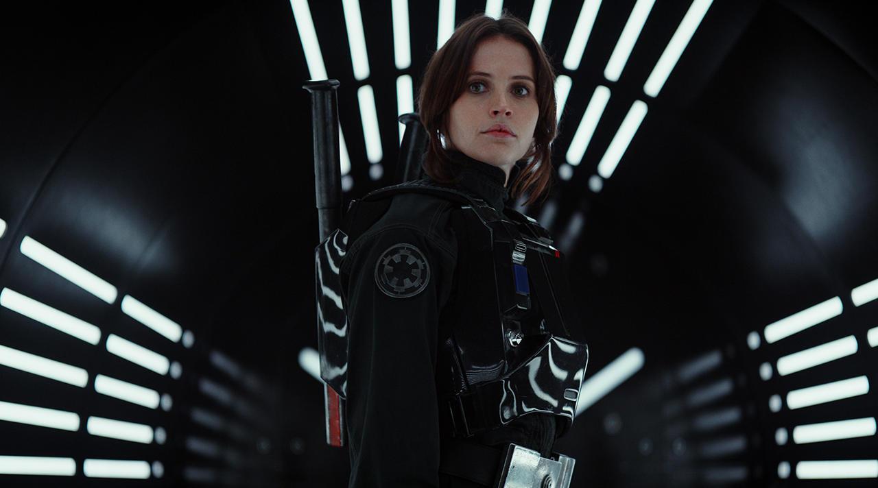 «Возмущению Дарта Вейдера нет предела». Как в сети обсуждают спин-офф «Звёздных войн»