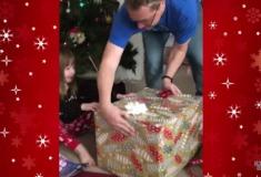 Родители приготовили дочке сюрприз в Рождество, но он от неё убежал