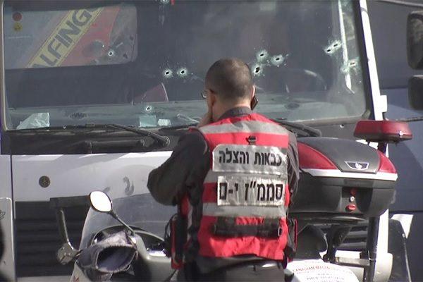 ВИерусалиме грузовой автомобиль въехал втолпу, есть погибшие ипострадавшие