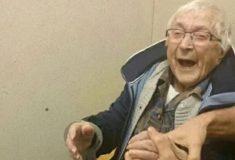 99-летнюю бабушку из Нидерландов задержала полиция. И старушка просто в восторге