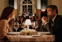 В твиттере (полу)серьёзно обсуждают, можно ли несвободным мужчине и женщине сходить вместе в ресторан