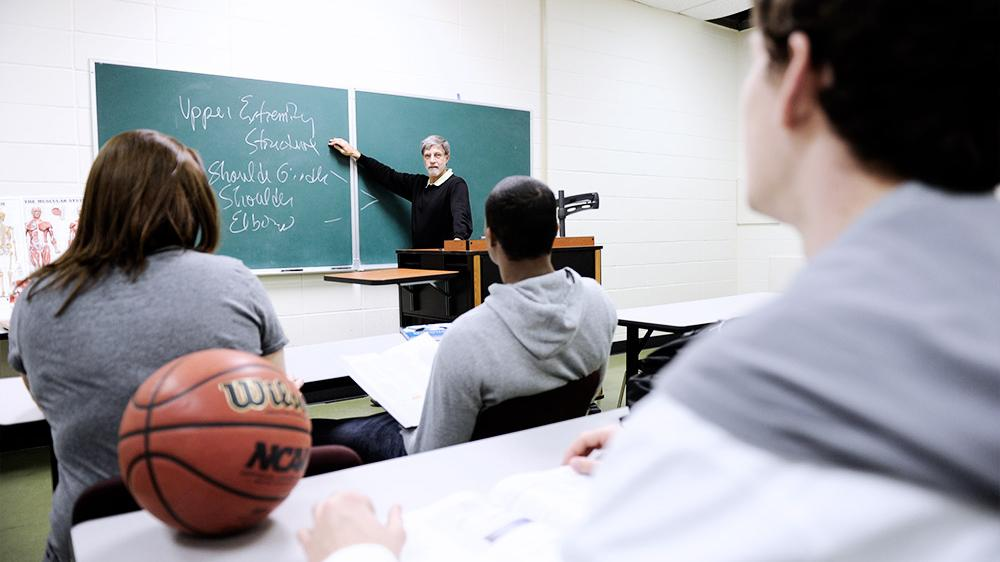student athletes and good grades To participate in division i athletics or receive an athletic scholarship during the first year of college, a student-athlete athletes who have poor grades are.