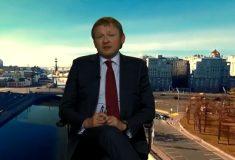 Видео: лидер «Партии роста» и бизнес-омбудсмен Титов летает над Москвой на стуле