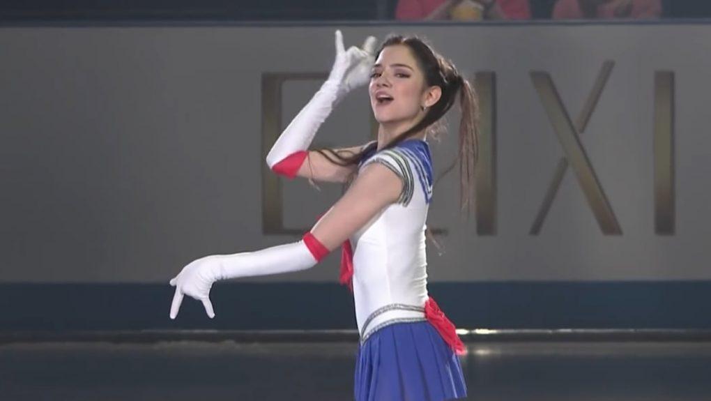 Лунная призма, дай мне коньки! Евгения Медведева выступила в костюме Сейлор Мун и поставила пару мировых рекордов