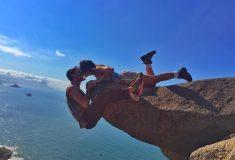 Опасное фото модных путешественников над пропастью оказалось обманом