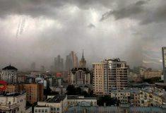 Пирамида, крест, крыша в Кремле. В соцсетях подсчитывают разрушения от урагана в Москве