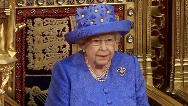 Ебут королеву во дворце фото 48-521