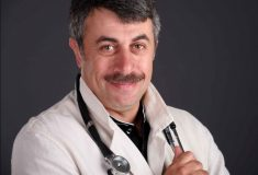 «Сейчас поменяю свечи (ректальные) и за дело!»На РБК ТВ шутят о своём переходе в «Школу доктора Комаровского»