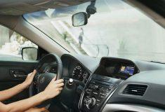 Осмотри зубы, проверь грудь. Китайская реклама Audi сравнила женщин с подержанными машинами, и это дико
