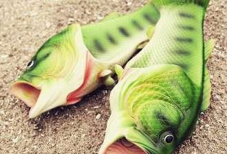 Рыбошлёпанцы — новый тренд. И попробуйте найти обувь уродливее