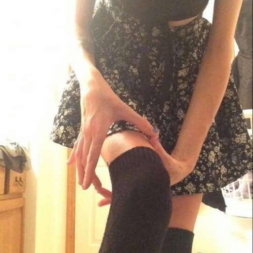 Секси белье между девушки ноги видео