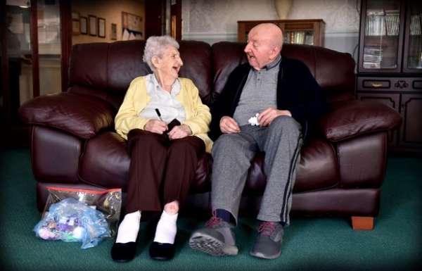 Британка ради сына переехала вдом престарелых