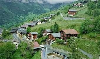 Деревня в Швейцарии готова платить всем желающим туда переехать. Но, как всегда, есть условия