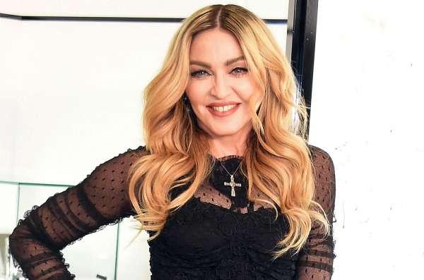 Мадонну засекли при перелете вэконом-классе