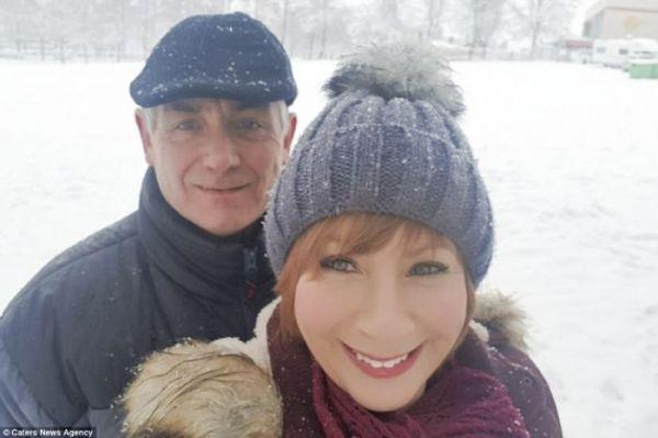Мешки для мусора, отвёртки и гвозди. Британка жалуется на слишком практичные подарки мужа на Рождество