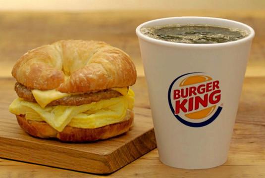 «Зато у нас вкусный!» Burger King пожаловался ФАС на соседнюю кофейню из-за их слишком действенной рекламы