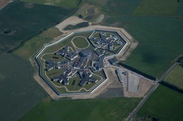 В Дании открылась «самая гуманная тюрьма в мире». Осторожно, вы можете захотеть стать преступником!