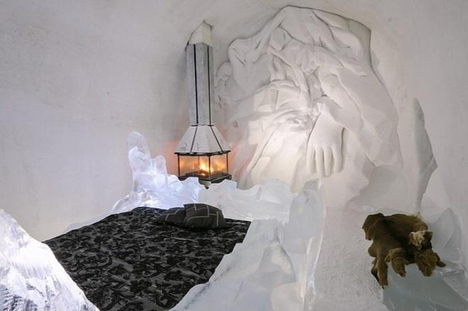 ВКанаде зажегся ледяной отель