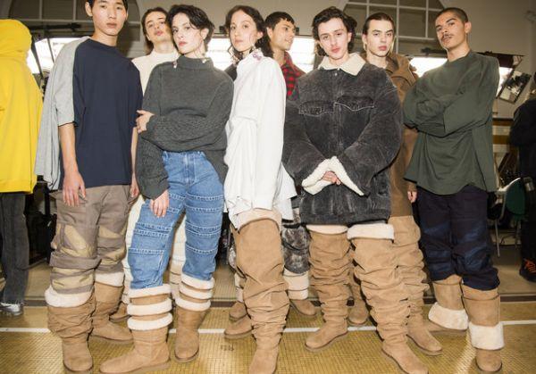 Натянуть на ногу шарпея. На Неделе моды в Париже показали высокие угги, и это тяжело развидеть