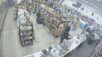 Вирусное видео о схватке грабителей оказалось рекламой шоу от Facebook. Но оно всё равно крутое
