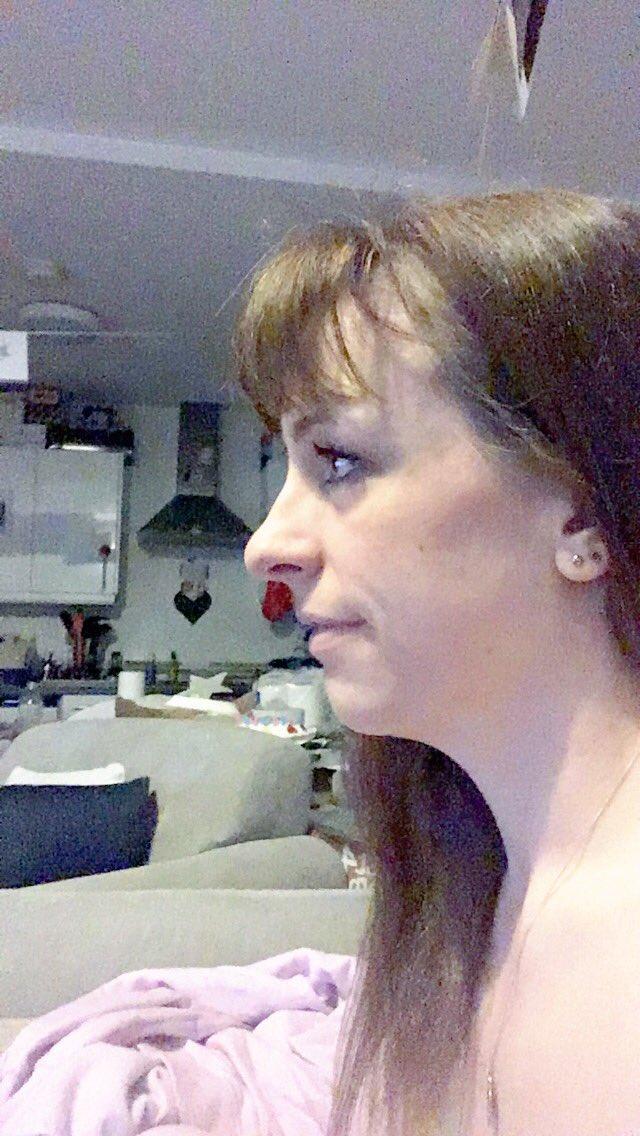Старым видео большой нос большой клитор девчонки