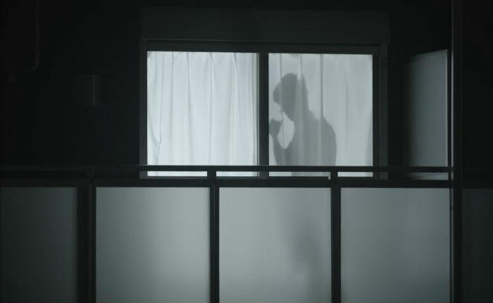 Тени крутых парней защитят одиноких женщин в Японии. Технологичный способ отпугнуть преступников