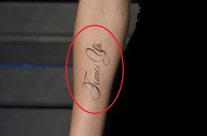 Безграмотный Хогвартс: звезда Гарри Поттера сделала позорное тату
