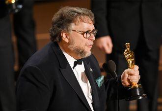 """""""Оскар"""" за лучший фильм получила картина """"Форма воды"""" Гильермо дель Торо. Фанаты """"Трёх билбордов"""" рвут и мечут"""