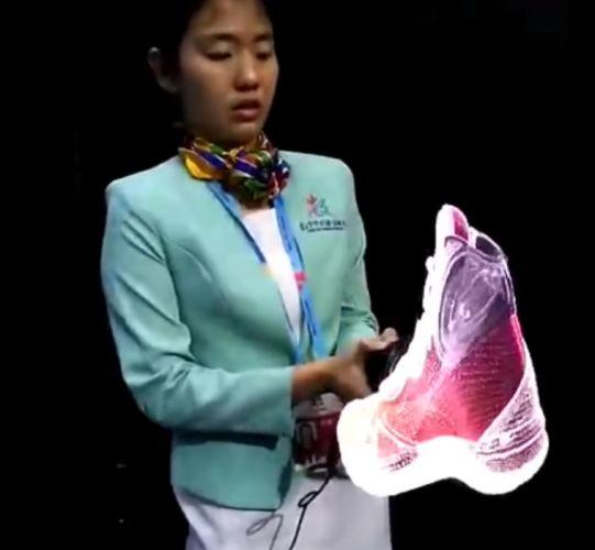 В Гонконге показали устройство для проекции 3D-голограмм. И эти изображения хочется пощупать