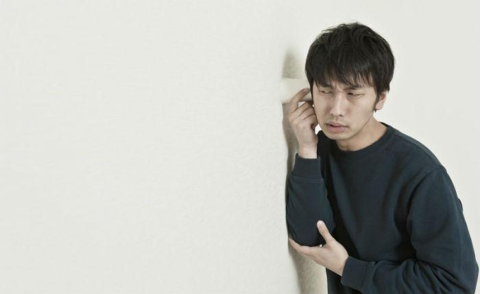 Сквоттер из Японии полгода жил в чужом доме, и его никто не замечал. Хозяйка была в соседней комнате