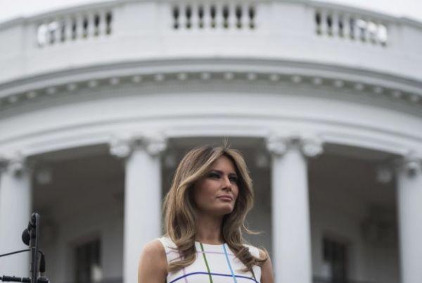 Стена поперек Белого дома. У Дональда Трампа и первой леди разные приоритеты, считают СМИ