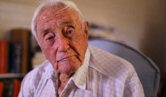 «Жалею, что мне 104». Почему здоровый учёный хочет уйти из жизни так сильно, что собрал на это деньги