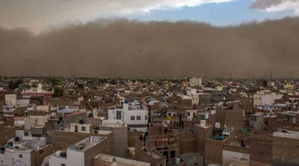 В Индии не менее 18 человек погибли во время песчаной бури