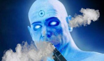 Вейперша на видео пускает дым из ушей. Вообще-то это не круто: значит, у неё проблемы