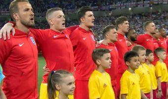 Сирота не попал на встречу с футболистами: его «заменили» ребёнком побогаче. Что известно о спорной истории