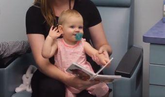 Маленькая девочка впервые слышит окружающие звуки. Глядя на её реакцию, вы потянетесь за платочками