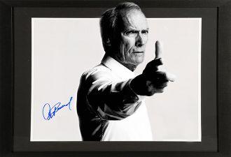 Клинт Иствуд в свои 88 настолько о-го-го, что обзавидоваться можно. Ещё и сам себя в главной роли снимает