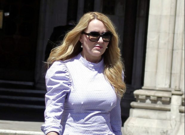Британка подала в суд на агентство знакомств. Её претензия: компания не смогла купить ей любовь