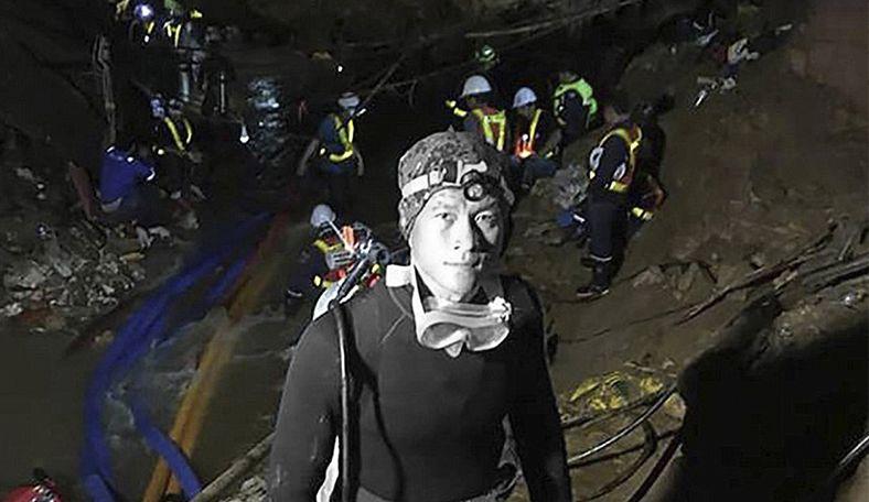 Погибший дайвер и возможная помощь от Маска. Как спасатели продолжают вызволять тайских школьников из пещеры