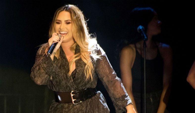 Самая сексуальная эстрадная певица позапрошлого 2016г угодила в клинику из-за передозировки
