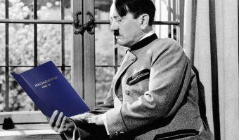 Школьный учитель днём, рестлер-нацист ночью. Двойная жизнь американца попала в центр расследования