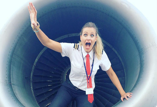 Шведка Сара Йоханссон переквалифицировалась из парикмахера в пилота. Её инстаграм — полный улёт