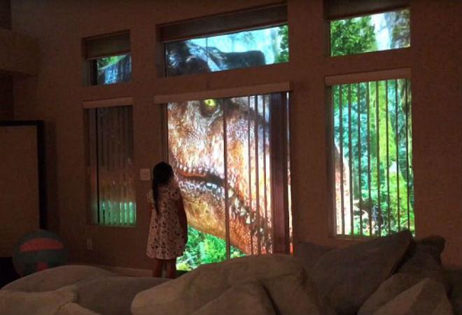 «Она не испугалась!» Папа создал для дочери такое реалистичное дино-шоу, что оправдываться будет ещё долго