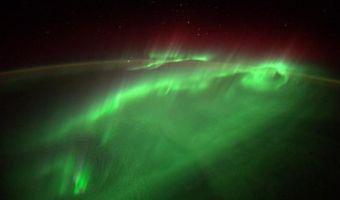 Как выглядит полярное сияние из космоса. Завораживающее видео от немецкого астронавта