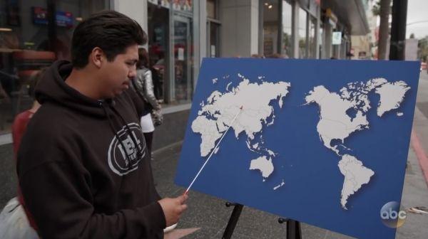 Прохожим в США предложили показать на карте хотя бы одну страну. От позора нацию спас один школьник